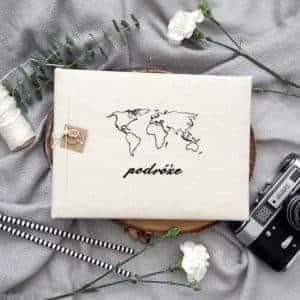 Tradycyjny album na zdjęcia lniany z haftem podróże